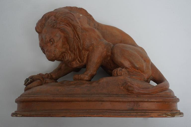 Terracotta Lion Sculpture In Good Condition For Sale In Antwerp, BE