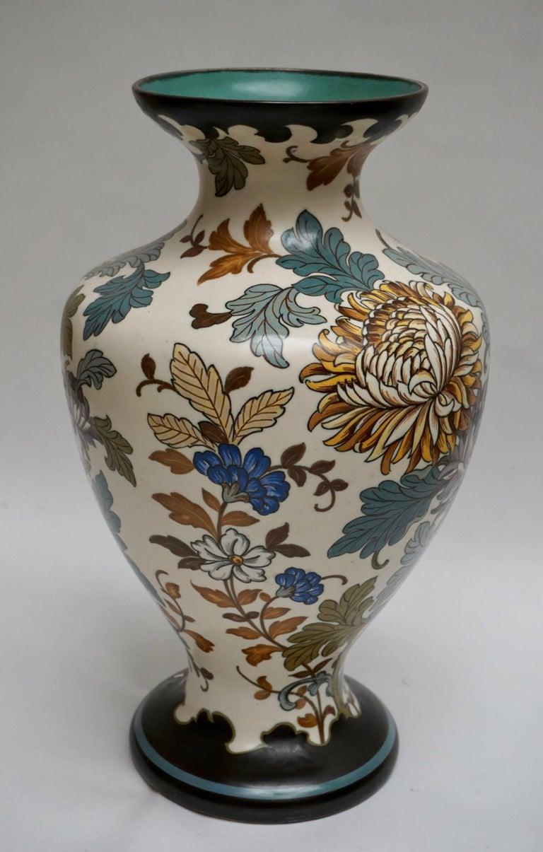 Gouda 1950s Hand-Painted Large Vase In Excellent Condition For Sale In Antwerp, BE