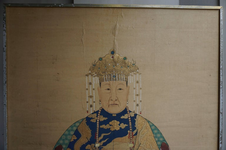 Fine Chinese Painting on Silk, Lady of Class, 18th-19th Century In Good Condition For Sale In Antwerp, BE
