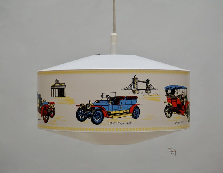 Pendant Light Decorated with Oldtimers In Excellent Condition For Sale In Antwerp, BE