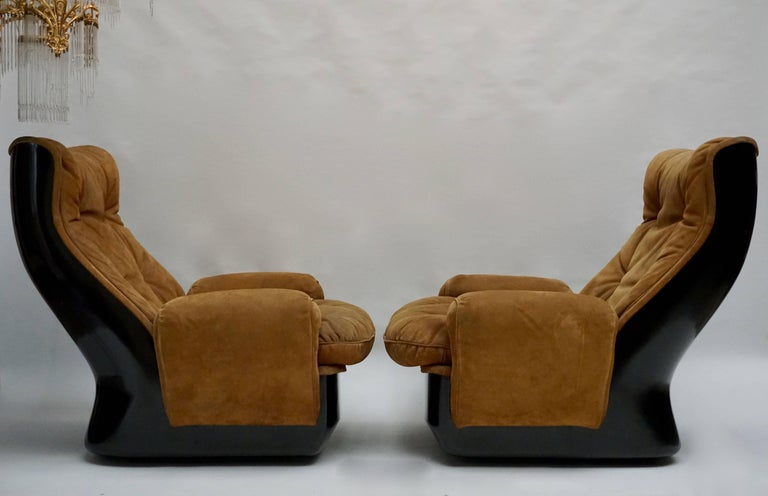 French Two Lounge Chairs by Airborne International, circa 1970s For Sale