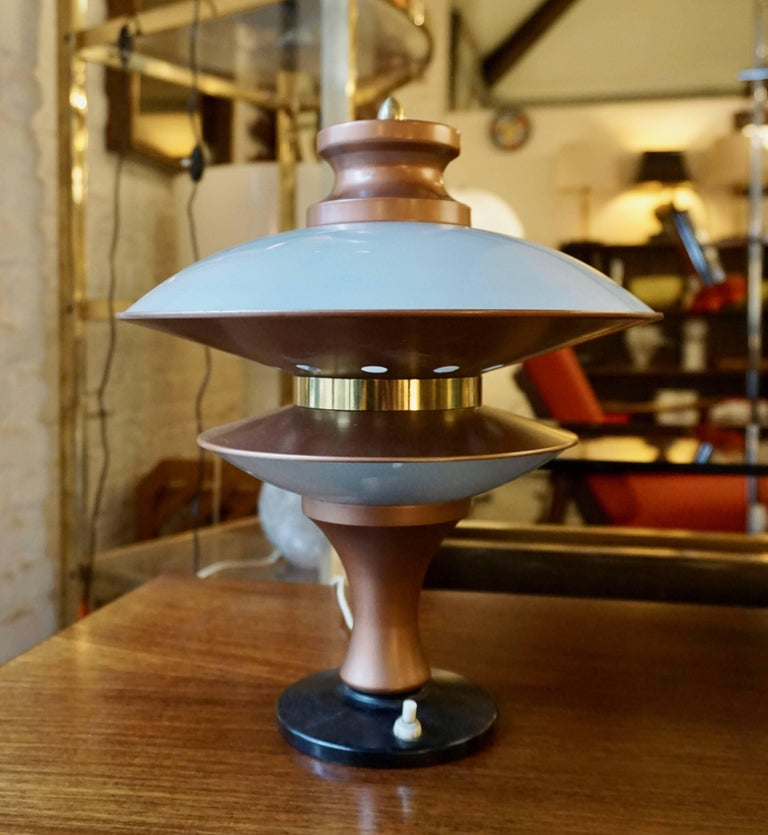 Mid-Century Modern Table Lamp in Glass and Brass For Sale