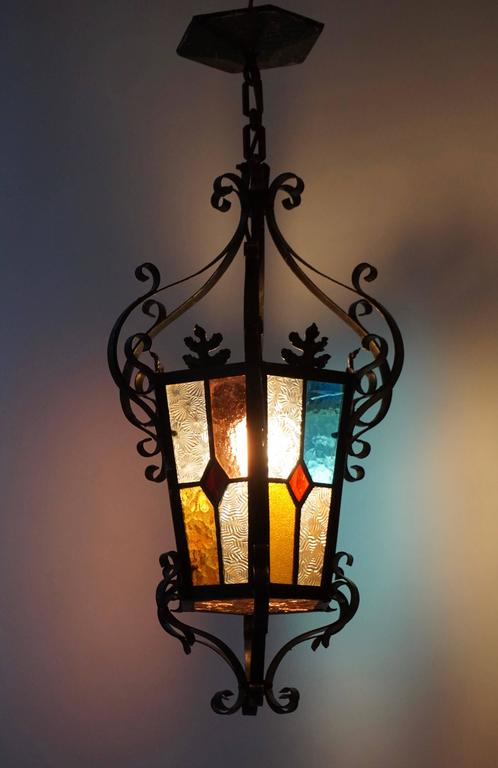 Lantern Chandelier with Stained Glass In Good Condition For Sale In Antwerp, BE