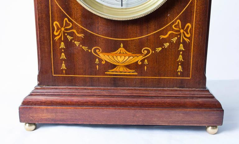 Early 20th Century French Marquetry Mahogany Mantle Clock In Excellent Condition For Sale In London, GB