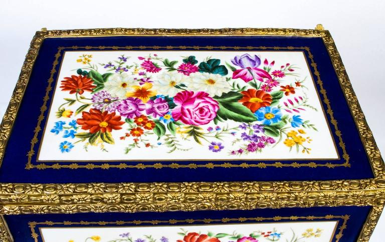 French Large Hand-Painted Navy Sèvres Porcelain Casket For Sale