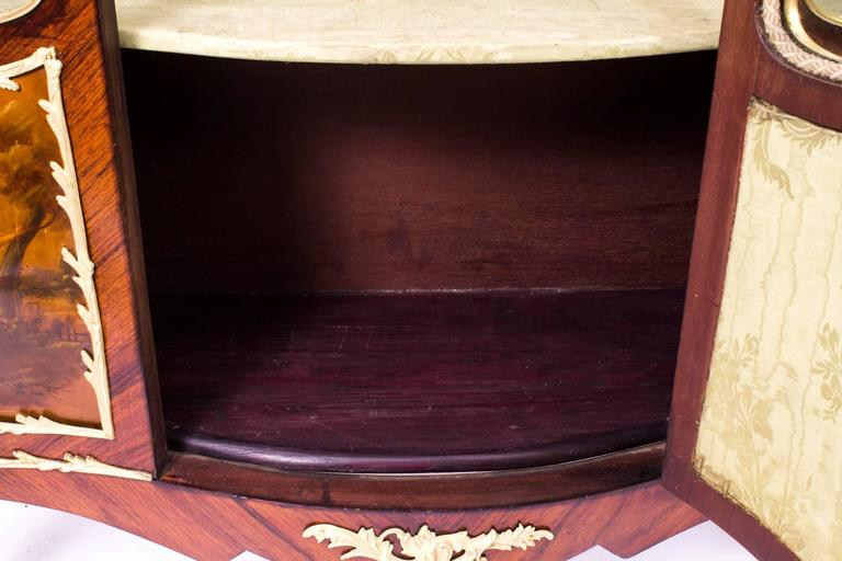 19th Century French Large Vernis Martin Display Cabinet 5