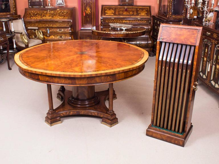 Stunning Theodore Alexander Flame Mahogany Jupe Dining Table, 20th Century 2