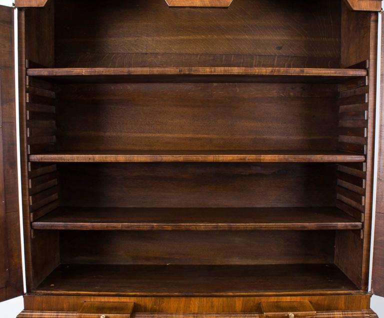 18th Century Queen Anne Double Dome Burr Walnut Bureau Bookcase For Sale 5