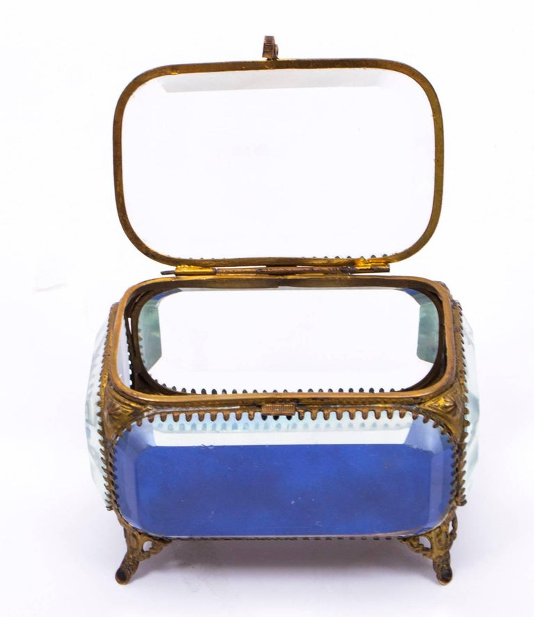 19th Century French Ormolu and Glass Table Wedding Casket For Sale 5