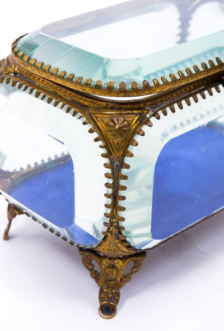 19th Century French Ormolu and Glass Table Wedding Casket For Sale 4