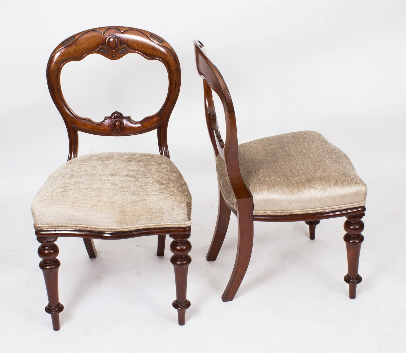 19th Century Set Of Eight Victorian Balloon Back Mahogany Dining Chairs At 1stdibs
