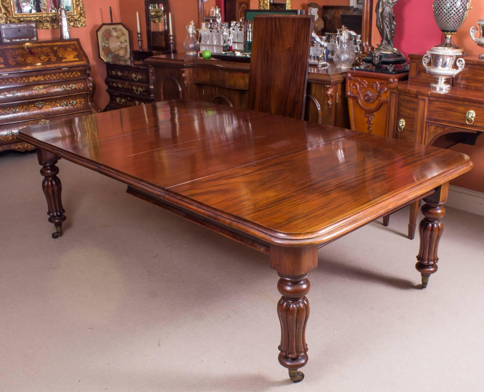 Mid 19th Century 19th Century William IV Mahogany Dining Table And 12  Chairs For Sale