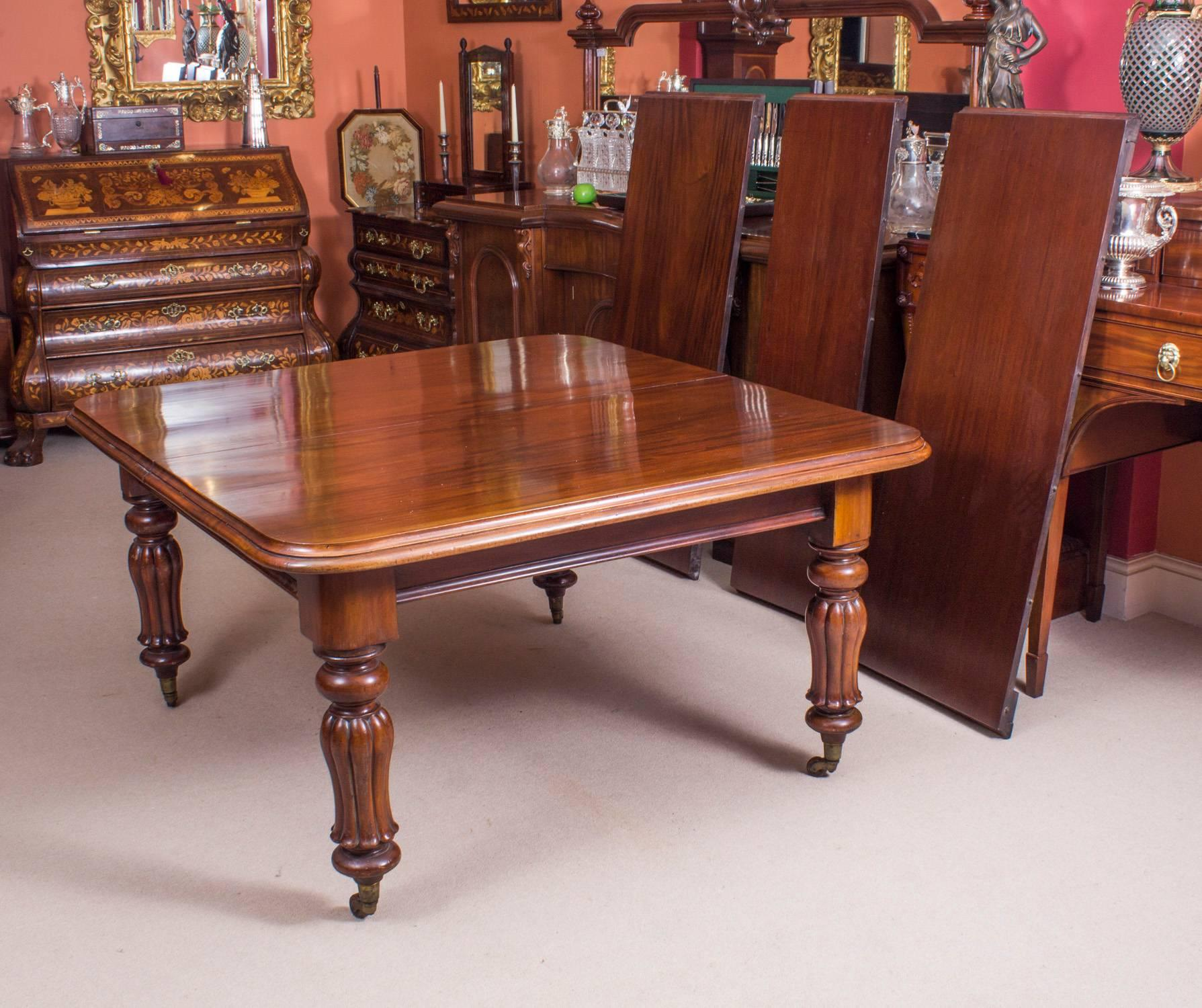 19th Century William IV Mahogany Dining Table And 12 Chairs For Sale 2