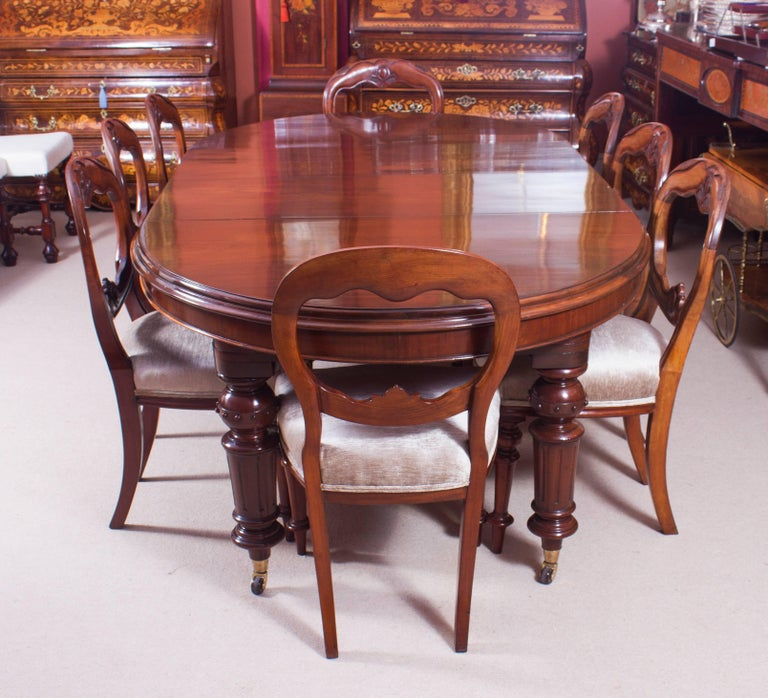 19th Century Victorian Oval Extending Dining Table For