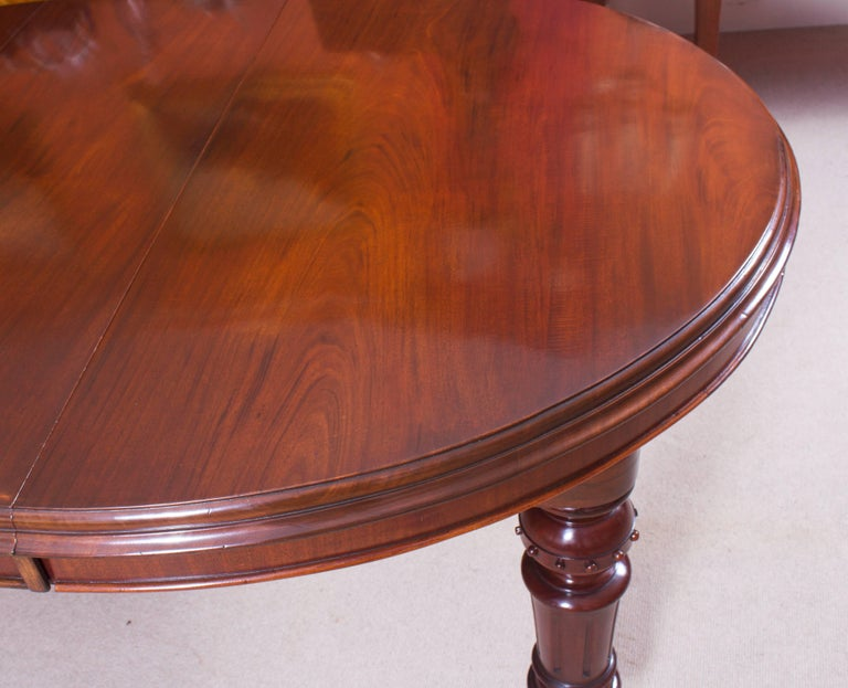 19th Century Victorian Oval Extending Dining Table For Sale 1