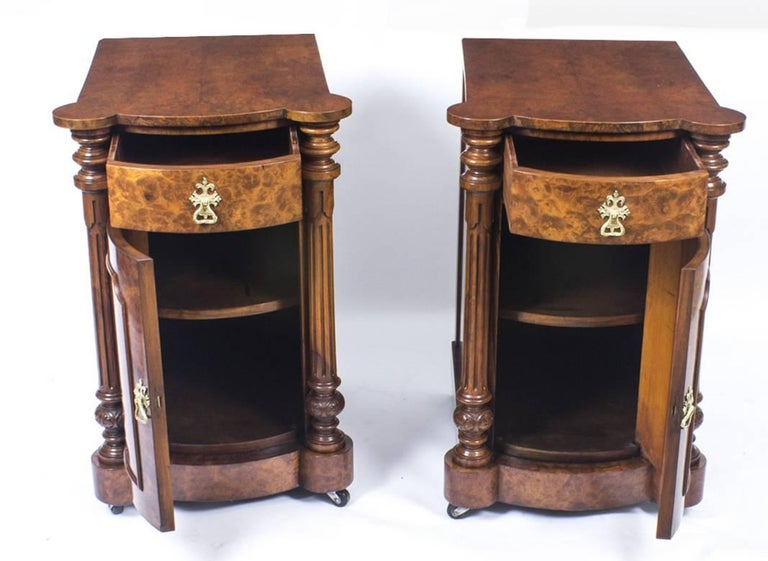 19th Century Victorian Burr Walnut Pair Of Bedside Cabinets For 4
