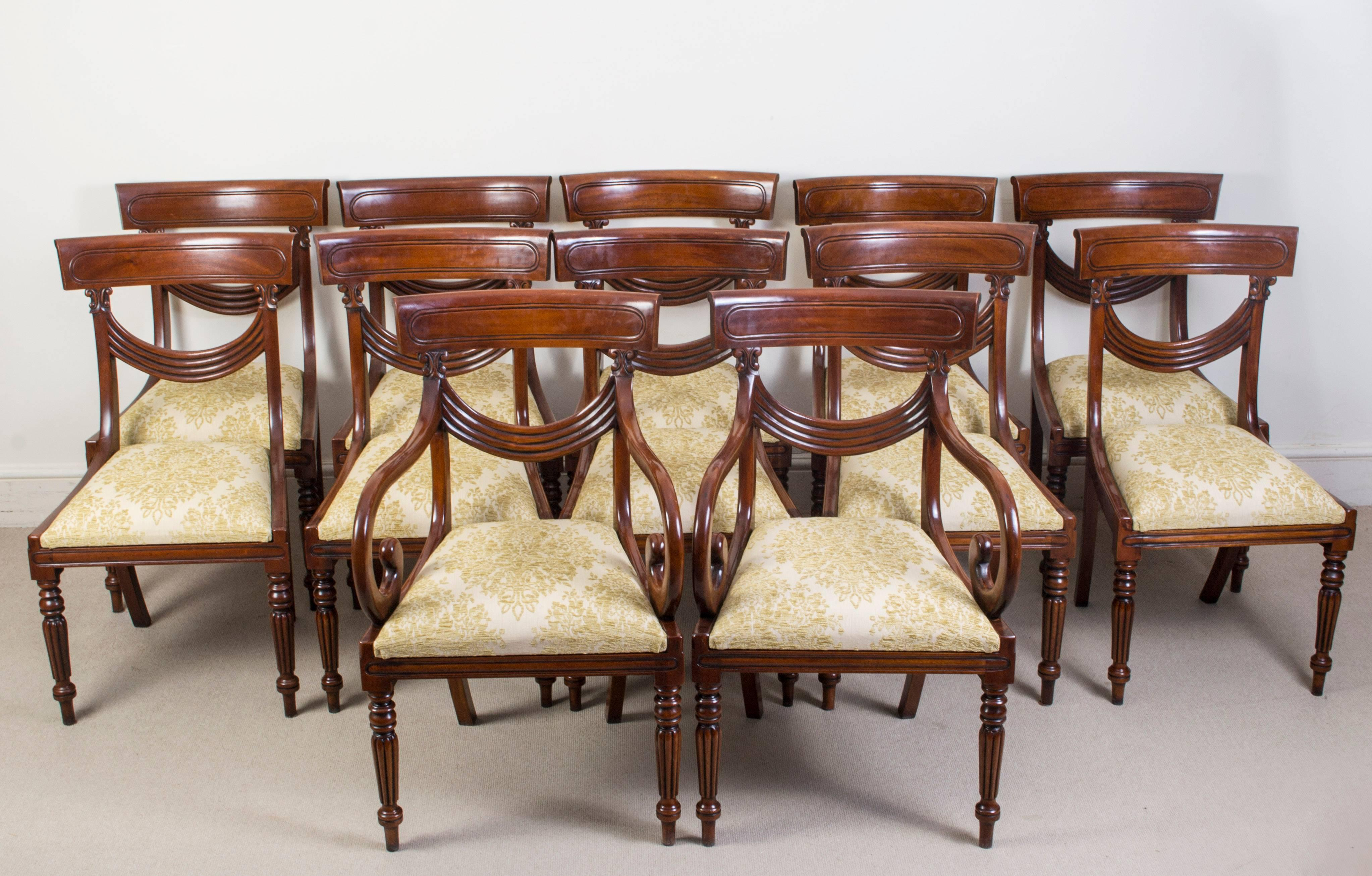 Antique Victorian Dining Table And 12 Chairs 19th Century For Sale 9