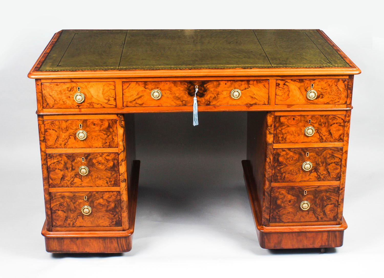 Antique Victorian Burr Walnut Pedestal Desk, 19th Century For Sale at  1stdibs - Antique Victorian Burr Walnut Pedestal Desk, 19th Century For Sale