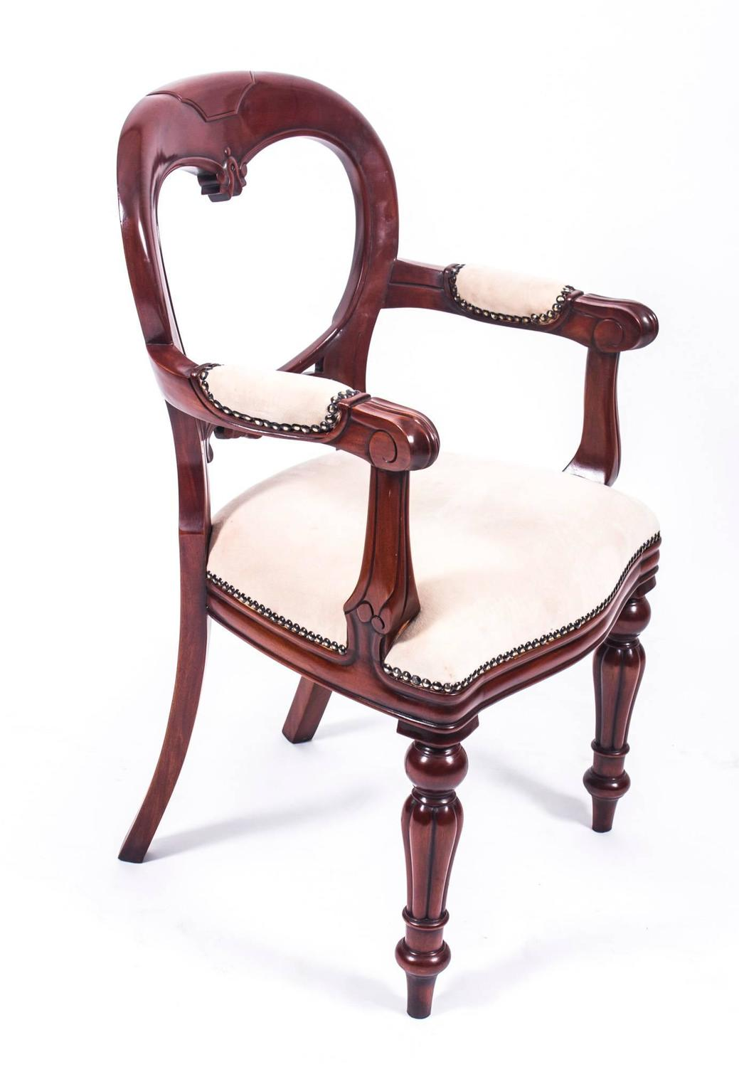 Antique Victorian Walnut Dining Table And Eight Balloon Back Chairs At