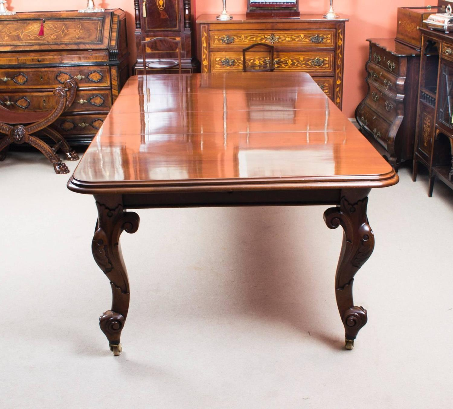 Antique victorian mahogany dining table and eight chairs for Dining room tables victorian