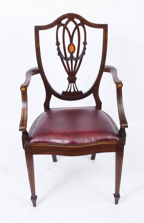 Antique Set of Eight English Hepplewhite Dining Chairs, circa 1900 In  Excellent Condition For Sale - Antique Set Of Eight English Hepplewhite Dining Chairs, Circa 1900