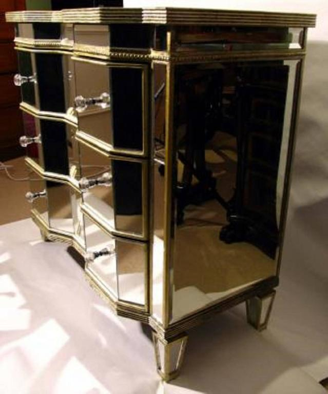 Stunning serpentine art deco mirrored commode chest at 1stdibs for Commode miroir art deco