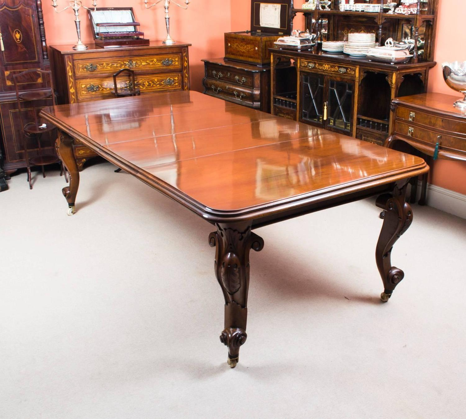 Antique Victorian Dining Table And Ten Tulip Back Chairs At 1stdibs