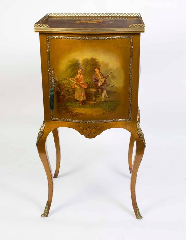 This is a lovely antique French Vernis Martin bombe shaped music cabinet,  circa 1900. - Early 20th Century French Vernis Martin Music Cabinet For Sale At