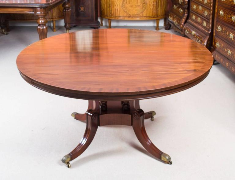 Vintage Dining Table and Eight Chairs by Arthur Brett & Sons In Excellent Condition For Sale In London, GB