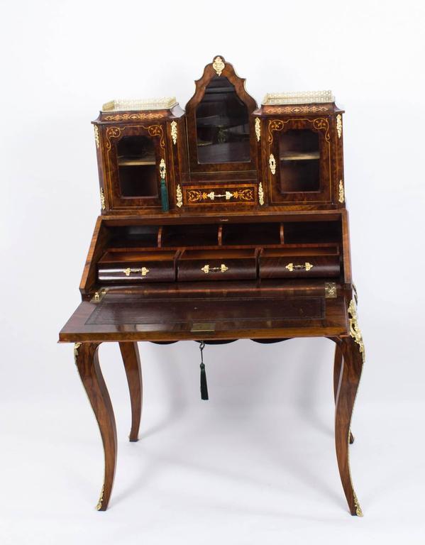 19th century victorian burr walnut inlaid bonheur du jour for Meuble bonheur du jour
