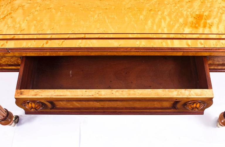 19th Century Gillows Style Birdseye Maple Writing Table Desk 3 - 19th Century Gillows Style Birdseye Maple Writing Table Desk At