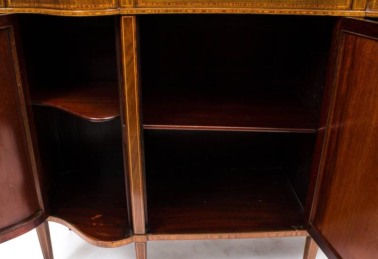 Early 20th Century Edwardian Serpentine Inlaid Display Cabinet For Sale 1