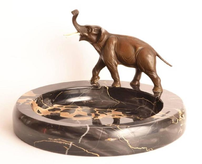 Early 20th Century Bronze Elephant Sculpture Marble Bowl For Sale 2