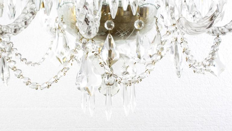Vintage Venetian Eight-Light Crystal Chandelier In Excellent Condition For Sale In London, GB