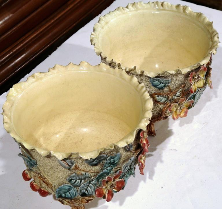 Pair of 19th Century French Hand Painted Ceramic Barbotine Cache Pots For Sale 1