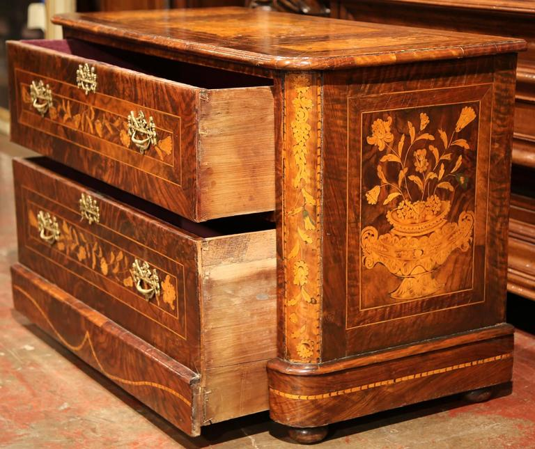 Hand-Carved Early 19th Century Italian Walnut Marquetry Two-Drawer Commode For Sale