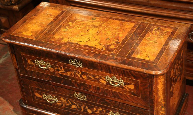 Empire Early 19th Century Italian Walnut Marquetry Two-Drawer Commode For Sale