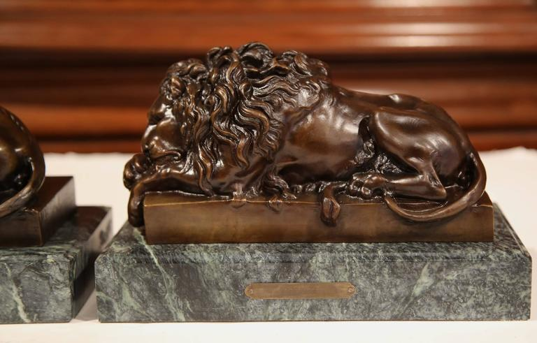 Pair of 19th Century French Bronze Lions Bookends on Marble Signed J. Moigniez For Sale 3