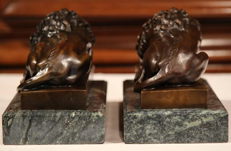 Pair of 19th Century French Bronze Lions Bookends on Marble Signed J. Moigniez In Excellent Condition For Sale In Dallas, TX