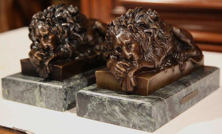 Pair of 19th Century French Bronze Lions Bookends on Marble Signed J. Moigniez For Sale 4