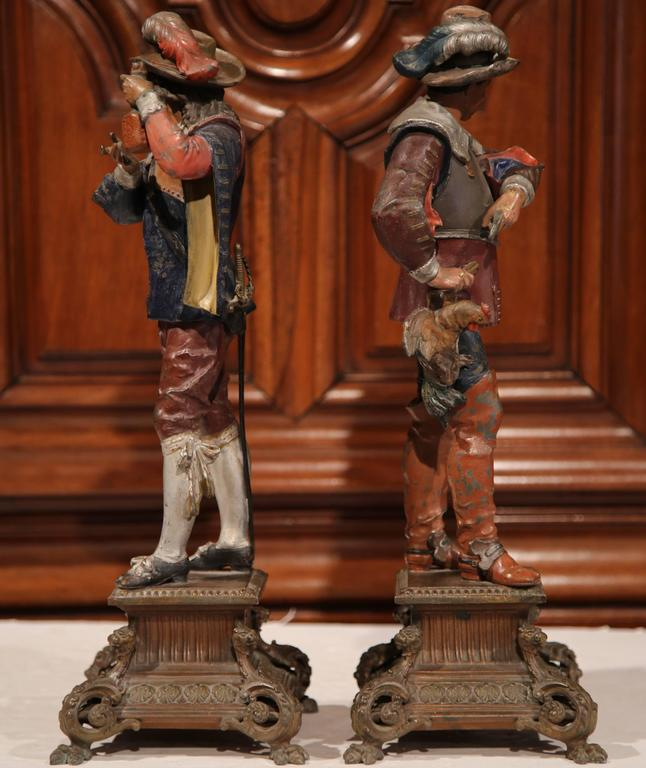 Pair of 19th Century French Spelter Hand Painted Musketeer Figures on Stand For Sale 1