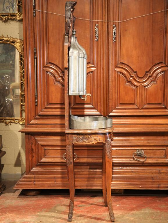 18th Century French Louis XV Carved Walnut and Pewter Fountain Lavabo on Stand For Sale 5