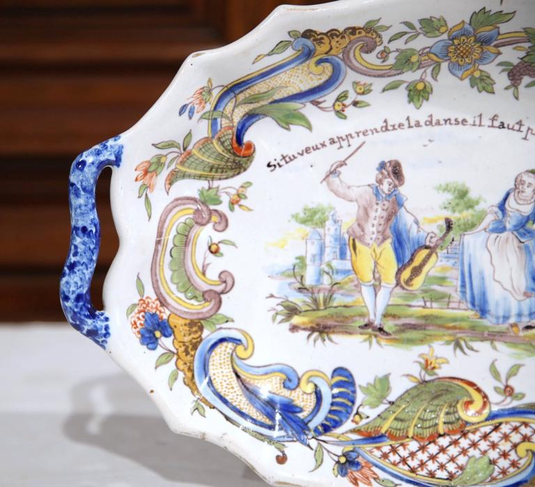 19th Century French Painted Oval Faience Wall Platter with Handles from Rouen In Excellent Condition For Sale In Dallas, TX