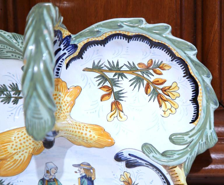 Mid-20th Century French Hand-Painted Faience Dish Signed Henriot Quimper For Sale 3