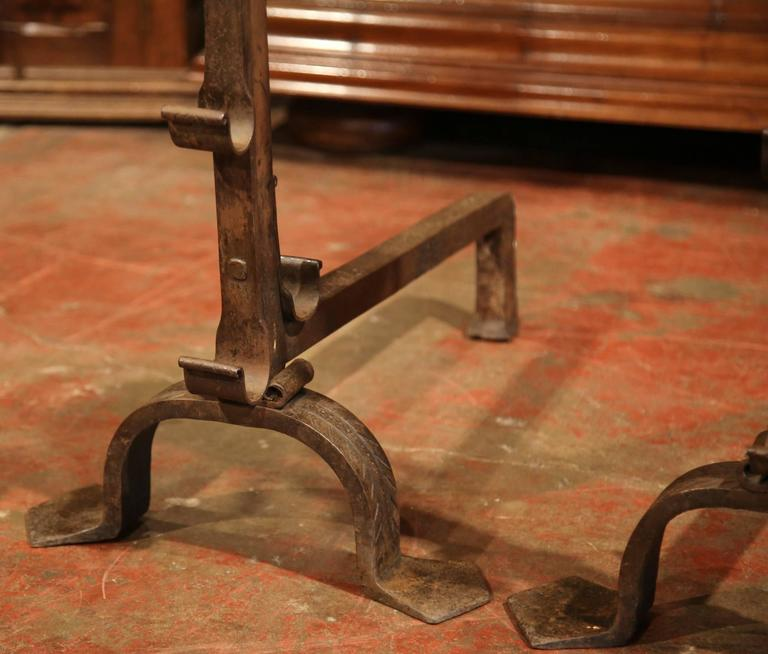 Pair of Early 19th Century French Wrought Iron Andirons with Fleur-de-lys For Sale 4