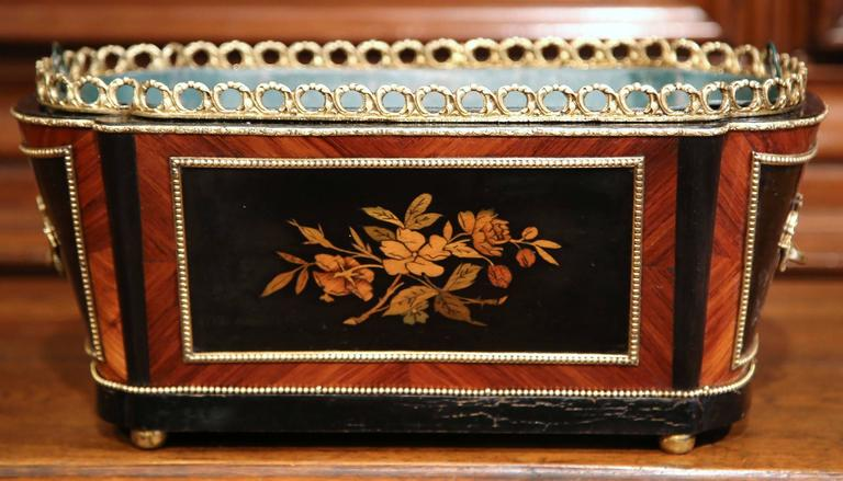 Hand-Carved 19th Century French Napoleon III Rosewood Marquetry Inlay and Bronze Jardinière For Sale