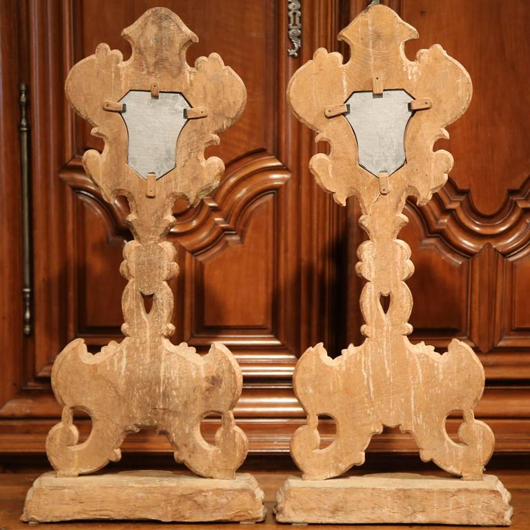 Pair of 19th Century Italian Carved Giltwood Church Reliquary Mirrors on Stand For Sale 4