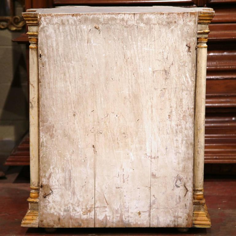 18th Century Italian Carved Painted Reliquary Cabinet with Glass Door and Sides For Sale 3