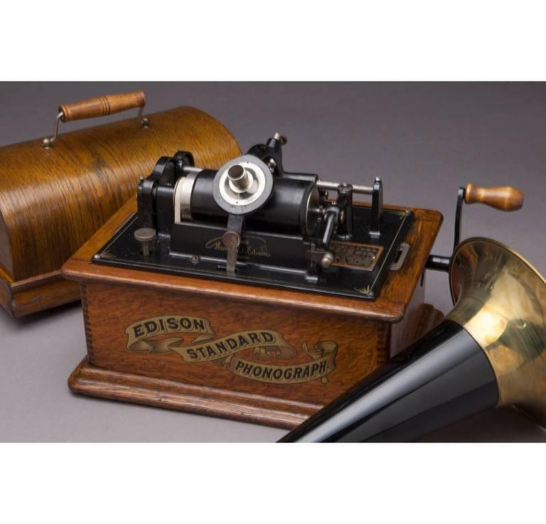 American Early 20th Century Oak Edison Cylinder Phonograph with Casing and 12 Records For Sale
