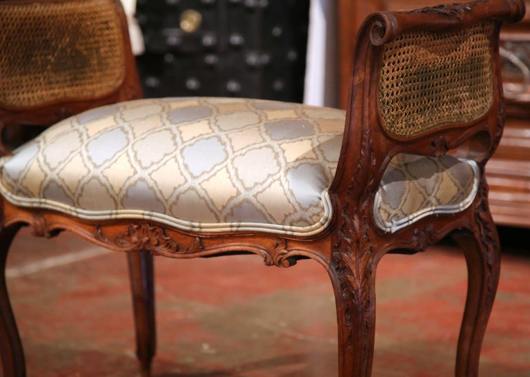 19th Century French Louis XV Carved Walnut and Cane Piano Bench with Silk Fabric For Sale 1
